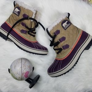 Sorel Purple Furry Duck Snow Boots 10